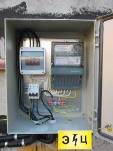 Шкаф учетный трехфазный до 15 кВт без ограничителя мощности c механическим однотарифным счетчиком Меркурий 230 АМ